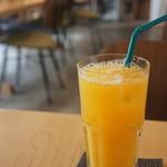 98434278 - オレンジジュース