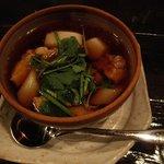 酒盃 - 比内地鶏と里芋ときのこ煮