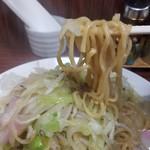 98442341 - 皿うどん(太めん)の麺リフト