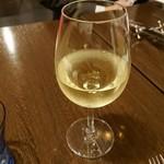ビストロ ボンチーノ - ドリンク写真:白ワイン(チリ)