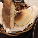 レストラン タガミ - パンも、なかなか美味しい!