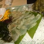海鮮長州 - カワハギの活け作り。肝醤油で食べると美味しい❗