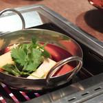 高級赤身焼肉専門店 馴れうし - サーロインの和牛トマトすき焼き
