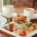 カフェレストラン クローチェ - シェフのプレートランチ