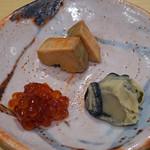 鮨 はしもと - お酒のお供3品  あん肝、牡蠣の味噌漬、すじこの味噌漬