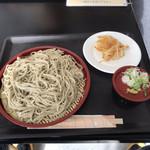 さるふつまるごと館 - 蕎麦打ち会のざるそば¥500とホタテかき揚げ¥100
