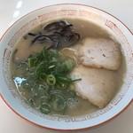 麺ズ赤のれん - ラーメン520円!