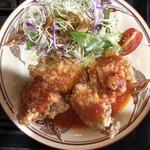 むちゃく - 鶏のペッパー唐揚げ自家製トマトソース