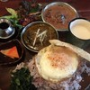 ミカンバコ - 料理写真:全部乗せカレー(大盛り・目玉焼きトッピング)