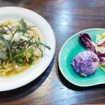 cafeハッカ - 料理写真:こんかにしんと野菜たっぷりのペペロンチーノ