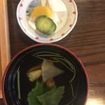 元祖本吉屋 - 肝吸と香物