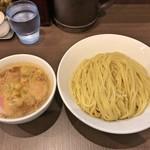 麺屋りゅう - 料理写真:味玉つけめん 特盛