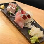 加賀能登の旬彩と地酒 ななお - 七尾鮮魚おまかせ3点盛り(420円+税)2018年11月