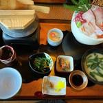 活魚 漁ま - 料理写真:刺身盛り合せ定食