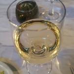 アクイラ・ウォランス - グラスワイン 白