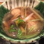 燙菜 - 鴨のつくねが入った汁です。