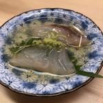羽田市場 ギンザセブン - 長崎産天然クエと青森産天然ヒラメ昆布〆の煎り酒浸し