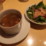 98486542 - 粗挽きブラックペッパー×(1100円)with温泉卵(0円)※ スープ.ミニサラダ