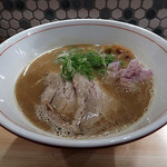 麺や ビートルズ - 煮干し豚骨ラーメン