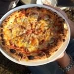 いしがまや - ポテトのピザ