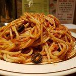 焼きスパゲッチ ミスターハングリー - ベーコンとツナのブッタネスカ大盛です
