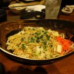 新九 - 博多屋台の焼きラーメン