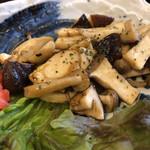 京とんちん亭 - 茸炒め