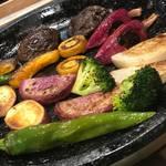 肉×野菜バル WTe - 朝採れ野菜の石焼