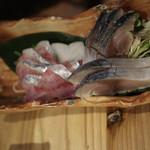 元祖北海魚串 がりや - 〆鯖(680円)と鰊の刺身(580円)