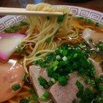 真木食堂 - 製麺の質がもうひとつ^^;