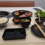 清香園 - 特選焼肉ランチ