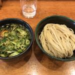Clutch Hitter - 料理写真:醤油つけ麺 200g(800円)に味玉(100円)トッピング