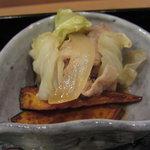 9852228 - 若菜御膳 豚肉とキャベツの炊き合せ