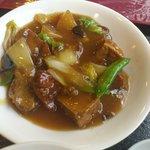 チャイナドール - 鶏肉と揚げ豆腐の煮込み。