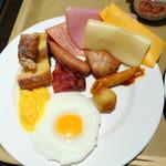 ヴィラッツァ - 朝食ビュッフェ1,836円、洋食系