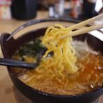 大和軒 - 料理写真:モチモチの中太麺
