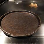 六本木モンシェルトントン - 鉄板焼用のお皿です。