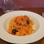 イルモンドピッコロ - 鶏ひき肉と蓮根のスパゲッティアラビアータ