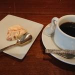 イルモンドピッコロ - デザートとコーヒー