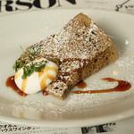 トラットリア デル パチョッコーネ - チョコレートのシフォンケーキ