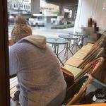 ザ リタ コーヒー - 店内から見える、外のオープン席の様子