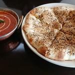 インド・ネパールカレー ミテリ - 料理写真:ゴマチーズナン&マトンカレー