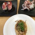 かっぱ寿司 - 肉いなり と ててて寿司のローストビーフ二種類