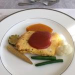レストランブルージュ - メカジキのピカタ トマトソース