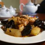 中国家庭料理 MAO - 鶏肉と冬瓜のピリ辛豆鼓炒めアップ