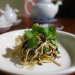 中国家庭料理 MAO - 干し豆腐とえのきの炒め物