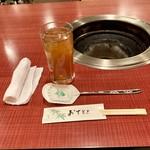 焼肉ポパイ - 新しいオシボリとスプーン お茶が嬉しい