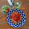 ザ ロケット カフェ - 料理写真:ツナとチーズのトマトソースパスタとミニサラダ