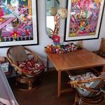 ザ ロケット カフェ - 2階テーブル席①