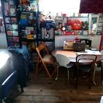 ザ ロケット カフェ - 1階テーブル席①